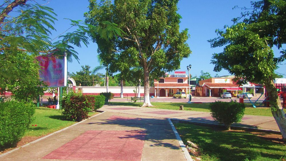 BACALAR-PUEBLO-MAGICO-DESDE-CHETUMAL