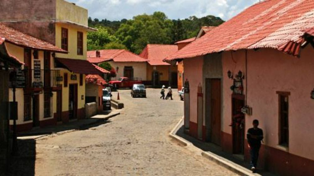 HUASCA-DE-OCAMPO-DESDE-PACHUCA