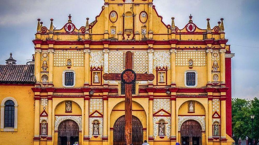 SAN-CRISTOBAL-DE-LAS-CASAS-PUEBLO-MAGICO-DESDE-TUXTLA-GUTIERREZ