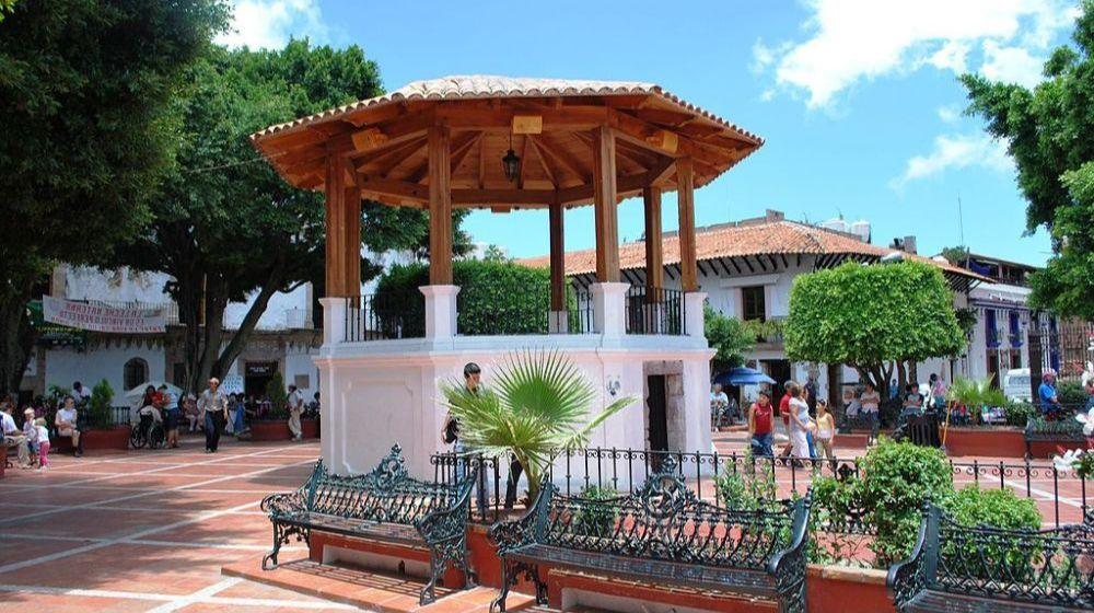 TAXCO-CON-GRUTAS-DE-CACAHUAMILPA-PUEBLO-MAGICO-DESDE-CIUDAD-DE-MEXICO