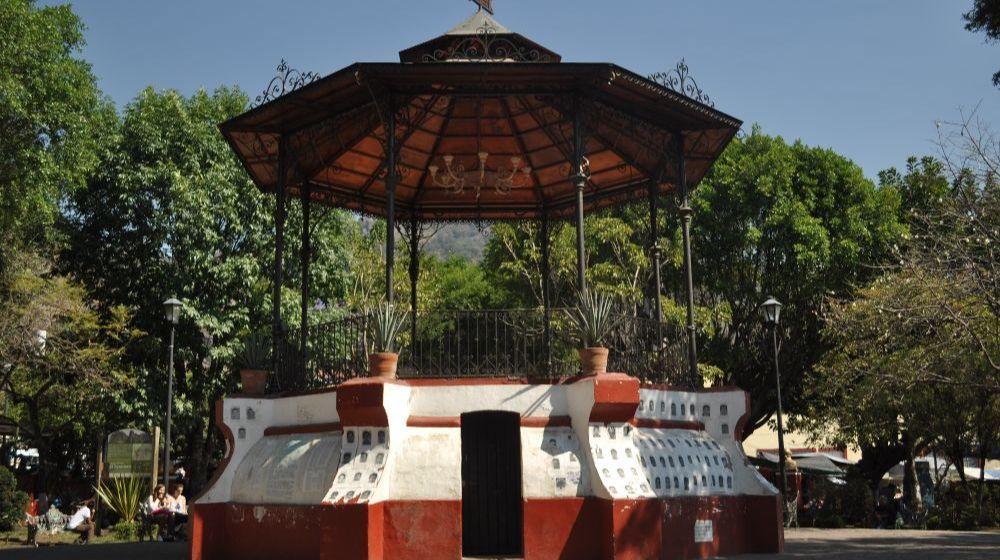 TEPOZTLAN-PUEBLO-MAGICO-DESDE-CIUDAD-DE-MEXICO