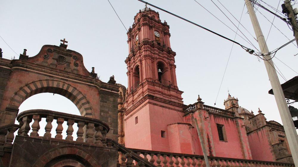 TLALPUJAHUA-PUEBLO-MAGICO-DESDE-MORELIA